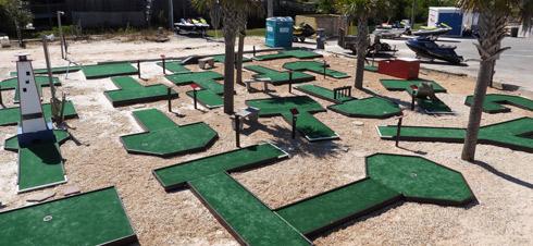"""Miniature Golf """"Putt Putt"""" in Navarre Beach, Florida"""